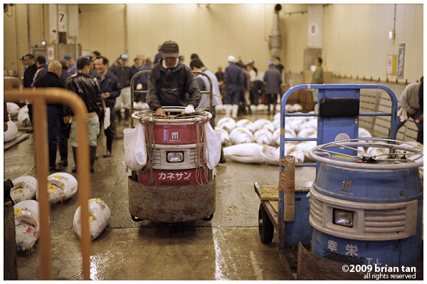Always a pleasure to end the post with a Mighty Car, a Tsukiji special!
