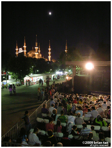 During the month of Ramadan, there is always something to do, with all the night markets and entertainment all over old Istanbul