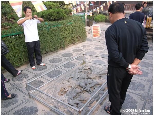 Xianggou Monastery: Local tourists, I love them all...